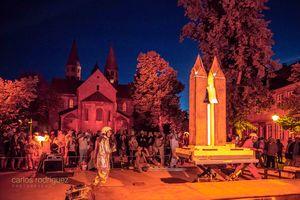 Ton am Dom, Feuerskulptur, Foto: Carlos Rodriguez